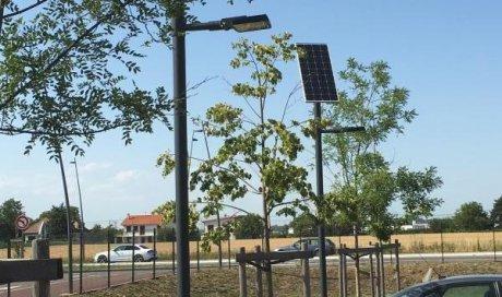 Solutions Soleil Énergie Installation d'alimentation autonome luminaire pour parking extérieur Bourg-en-Bresse