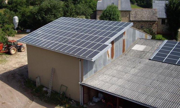 Solutions Soleil Énergie systèmes solaires pour un bâtiment industriel Bourg-en-Bresse
